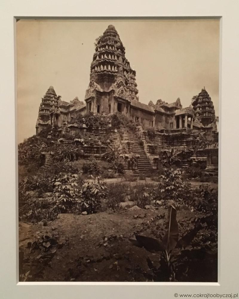 Centralne wieże Angkor Wat na zdjęciu Emila Gsella (rok 1866 lub 1873).