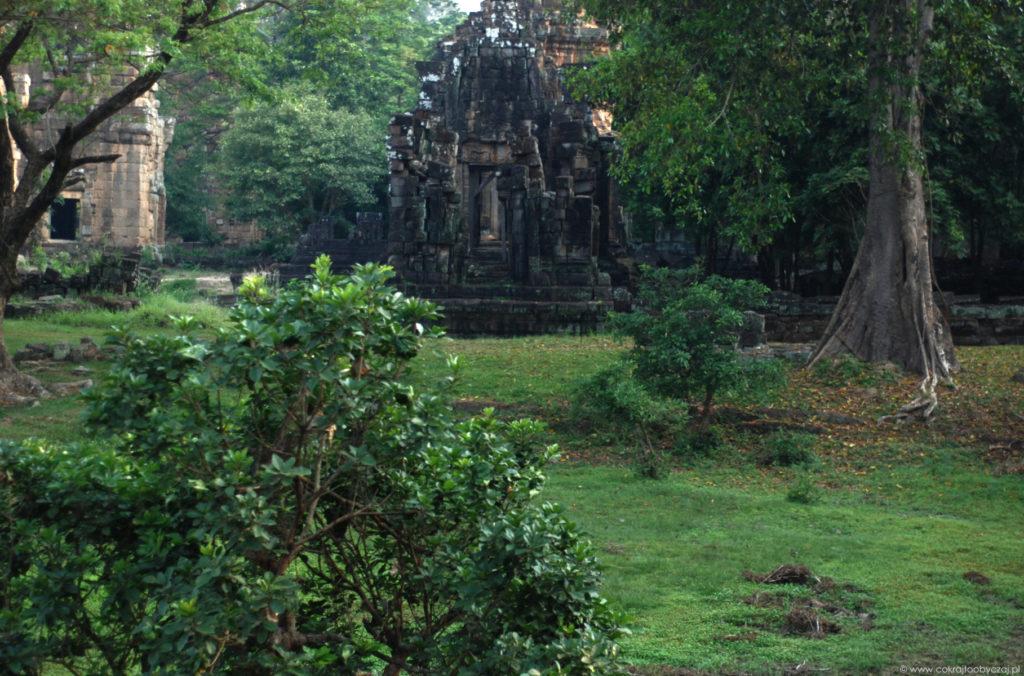 Od romantycznej mistyfikacji do Lary Croft. Zrozumieć Angkor