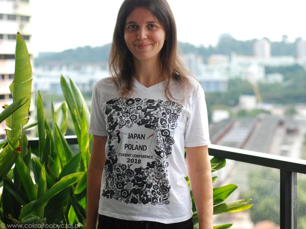 Tak wygląda konferencyjna koszulka.