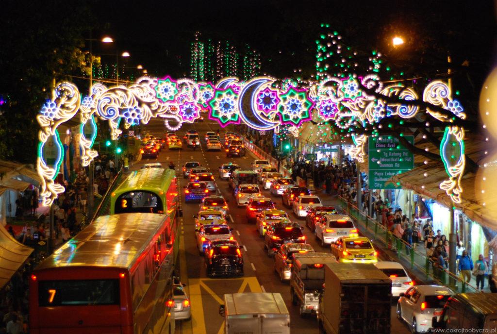 Dekoracje w okolicach Geylang Serai Bazaar