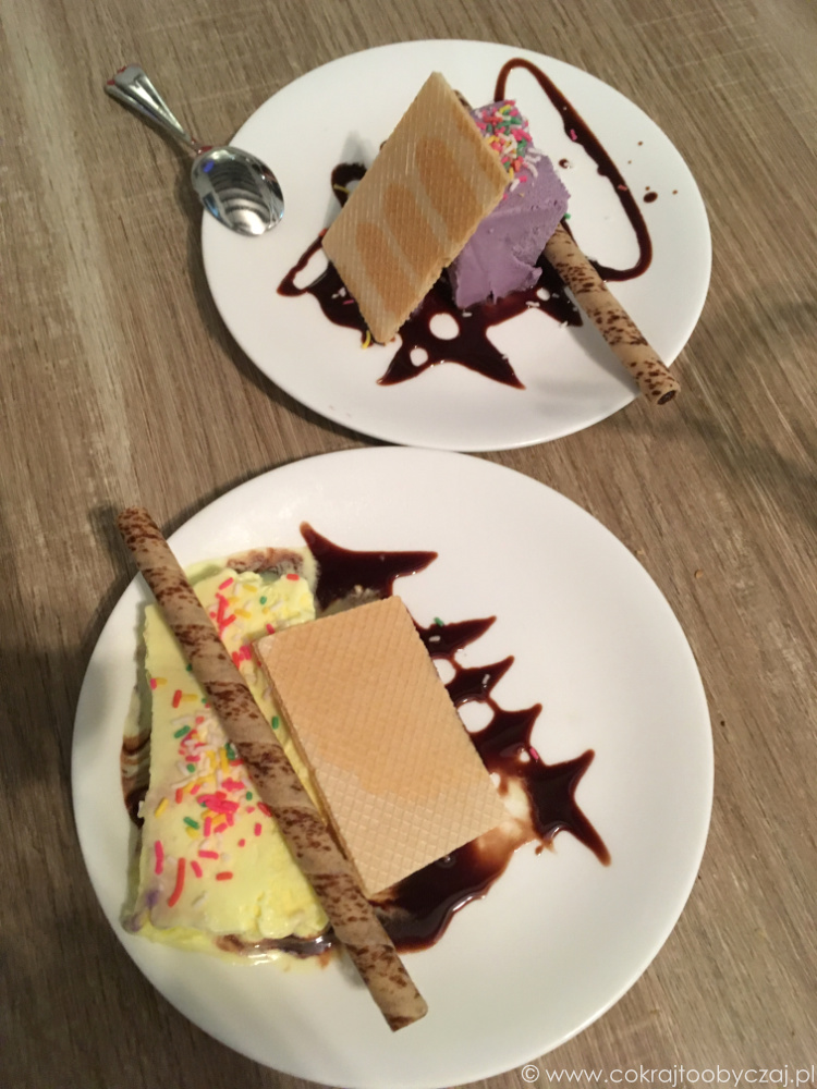Skoro jesteśmy już przy deserach - tak wygląda restauracyjna wariacja na temat ice cream sandwich :)