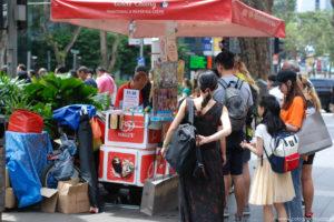 Stoisko z ice cream sandwich, Orchard Road, Singapur.