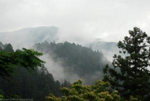Zamglone szczyty gór widziane z Hieizan.
