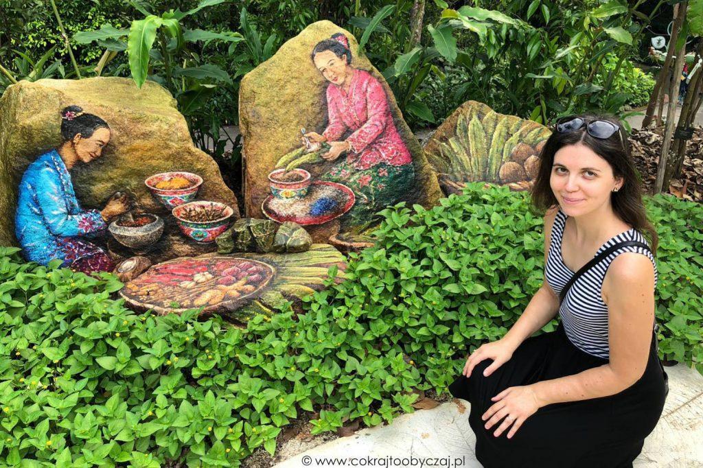 Kobiety Peranakan, murale w ogrodzie botanicznym w Singapurze