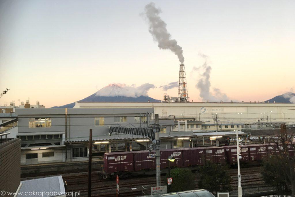 W mieście Fuji po raz pierwszy nabrałam dużych wątpliwości co do jakości powietrza...